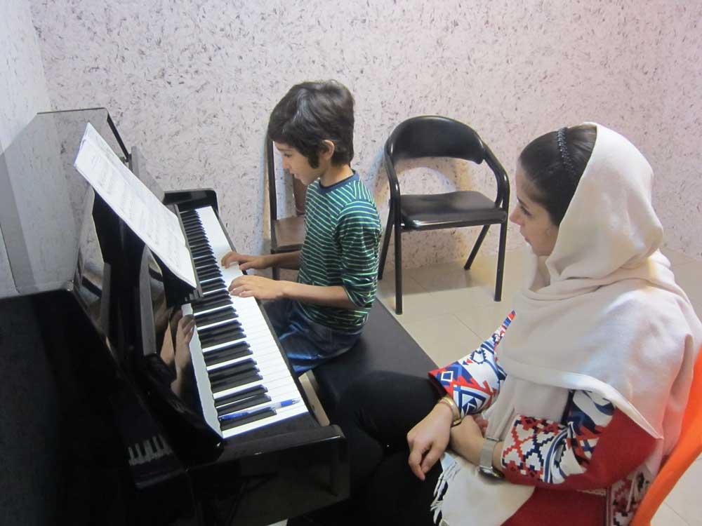 کلاس آموزش پیانو هنر پارسه